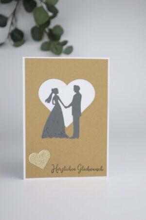 Heirat, Hochzeit, Ehe, braun, weiß, Herz, Ehepaar, Hochzeitspaar, Liebe, Hand, Hand in Hand, ein Leben lang, Glückwunsch, Karte, Grußkarte, Papier