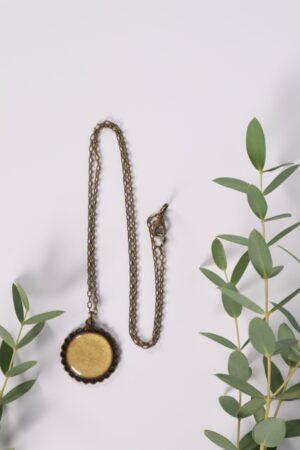 Halskette, Kette, Anhänger, Blume, Dirndl, Trachti, Messing, Blume, Blüte, Floral, perle, weiß, creme, beige